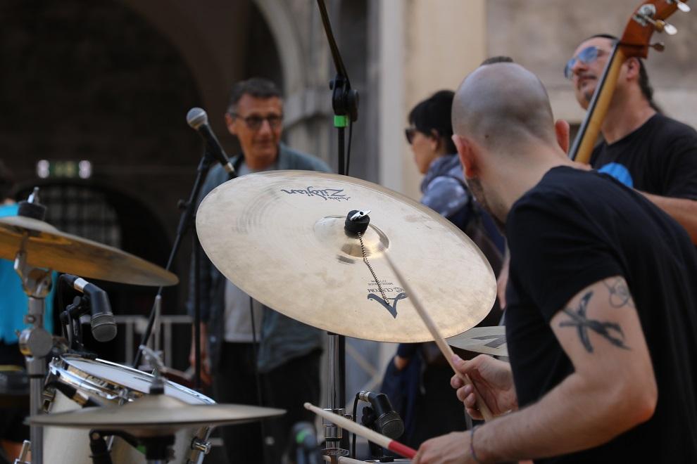 gege-telesforo02_musicaintorno