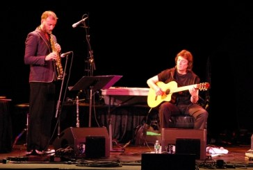 STEVE HACKETT IN TRIO ACUSTICO