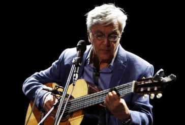CAETANO VELOSO TORNA LIVE, VOCE E CHITARRA!